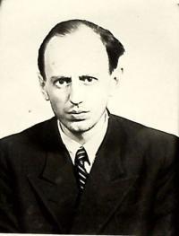 Fotografie otce Vojtěcha Marešky ze spisu StB