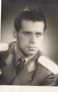 Oldřich Hukal in his lieutenant uniform, 1959