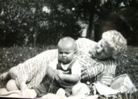 D. Hanauerová s vnukem