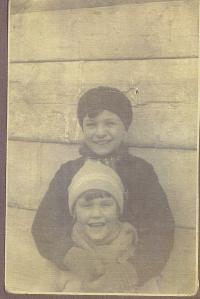 Doris Grozdanovičová s bratrem
