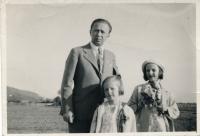Dagmar s otcem a mladší sestrou