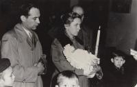 Křest čtvrtého dítěte, 1959