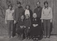 Miloš Lokajíček s rodinou, 70. léta
