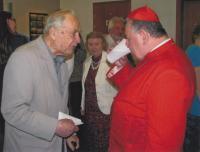 Miloš Lokajíček s kardinálem Dukou, biřmování nejmladšího vnuka, 2012