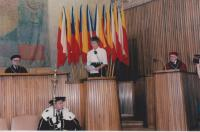 Helena Illnerová během své habilitace v roce 1996