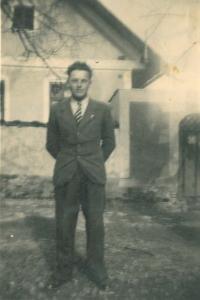 Kočí Jaroslav Voráček, asi 1940