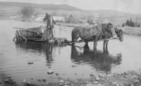 Vození vody, Úboč, cca 1910