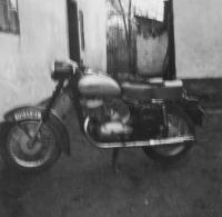 Jehlíkova motorka Jawa 250 ve Slezsku