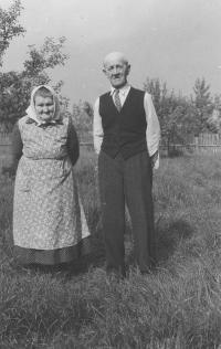 Tchán a tchýně, Únějovice 1962