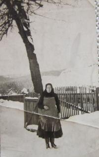 Babička, která před válkou vlastnila v Uliči část úzkokolejné dráhy