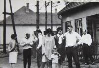 Mojmír Babušík s rodinou v Křenovicích