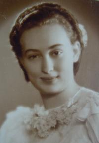Jarmila Weinbergerová v tanečních, r. 1938