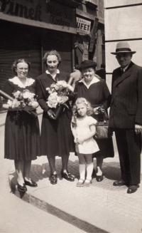 Promoce, 1950. 1. zprava přítelkyně Květa