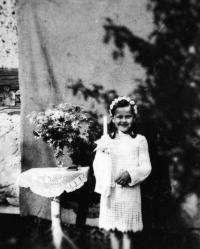 Annemarie Goschala on the day of her First Communion