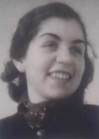 Lisa Miková, 1940