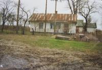 Dům  v Černém Lese na Volyni, který patřil české rodiné Valešů. Foceno v devadesátých letech.