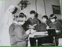S dětmi v Ročově u Loun.