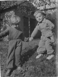 Se sestřenicí