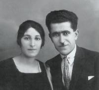 Hovhannes Karapetyan with his Wife in Yerevan 1926
