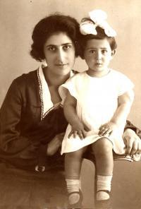 Madlena's mother