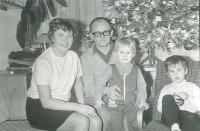 Rodinné foto léta sedmdesátá