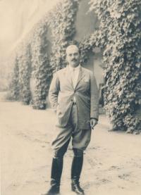 Rudolf Czernin na zámku v Dymokurech