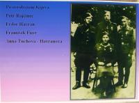 Anna Havranová_s manželem a dalšími po Kyjevu 1943