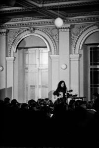 Koncert na Žofíně, foto: Bohdan Holomíček, 1969