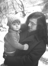 Se synem Vavřincem na procházce na Vyšehradě, 1971