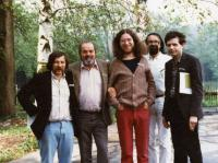 Zleva: Jiří Pallas, Pavel Tigrid, Jaroslav Hutka, Karel Trinkiewicz a Alexandr Tomský, Bavorsko 1985