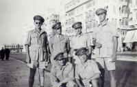 Fešáci z důstojnické školy (vpravo Josef Hercz), 1942