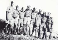 Instruktoři (vlevo Josef Hercz), 1942