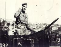 Josef Hercz na přehlídce v Praze 1945