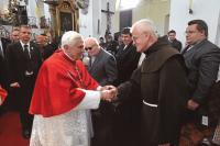 2009 - při návštěvě papeže Benedikta XVI. v ČR vkostele sv.Václava ve Staré Boleslavi