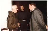 2007 - s provinciálem řádu Jeronýmem Františkem Jurkou OFM a P.Tomášem Halíkem u příležitosti 90.narozenin Oto Mádra