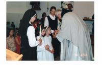 2002 - 1. svaté přijímání Markétky a Marušky v kostele sv Václava v Dejvicích