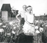 1931 Hedvika a Isidor Stingl na předměstí Bíliny