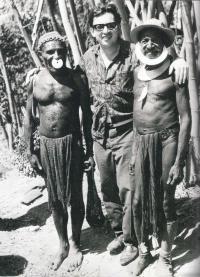 M. Stingl s papuánci