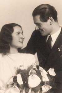 Svatba s Libuší Ertnerovou - 1945