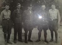Vlevo Josef Holec, uprostřed velitel Železniec, úplně vpravo Václav Janko