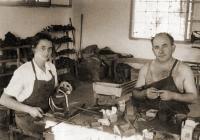 Dita Krausová ševcuje v kibucu Givat Chajim