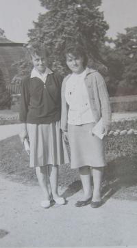 Elisabet Klamertová s kamarádkou