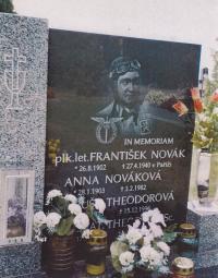 Hrob strýce Františka Nováka, Sokoleč