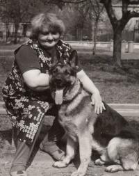 Manželka Miluše Piskáčková se psem