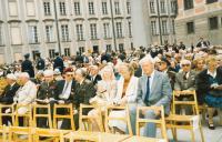 Oslavy 50. výročí konce druhé světové války na Pražském hradě, 8. května 1995 (plk. Ing. Souček, pplk. Matula)