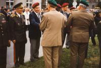 Generál Josef Buršík (první zleva), Praha 1997