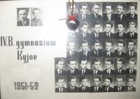 Photo of the graduating class. Josef Kolmaš in the top row, third from the right