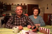 Vlastin nejmladší syn Tomáš - současný hospodář a jeho žena; Úboč, 2014