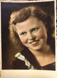 Miloslava Žáková v Československu - 1947 (8)