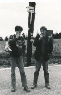 Alexandr Vondra a Jáchym Topol při společném výletu